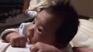 Download 止まらない首振り 赤ちゃん成長記 Video