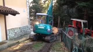 Download Escavatore komatsu pc 45 con pinza forestale Video