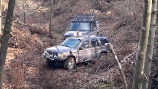Download RANGE ROVER vs JEEP CHEROKEE vs LAND ROVER DISCOVERY Video