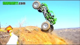 Download ROCK BOUNCERS CLIMB MONSTER SIZE HILL IN TEXAS Video
