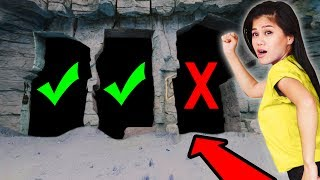 Download DO NOT CRAWL THROUGH the WRONG HIDDEN SECRET UNDERGROUND TUNNEL in ABANDONED ZOO Challenge Video