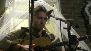 Download Matt Corby - 'RUNAWAY' (London Secret Garden - 19.09.2012) Video
