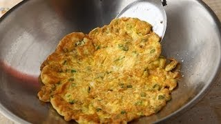 Download 【楊桃美食網】如何煎出整片厚實的蔥蛋? Video