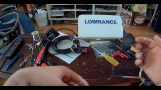 Download Lowrance Elite 9 Ti Med/High Total Scan unboxing Video