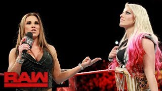 Download Alexa Bliss pays the price for insulting Mickie James: Raw, Sept. 25, 2017 Video