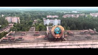 Download Un drone survole la ville abandonnée de Pripyat Tchernobyl Video