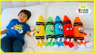 Download Ryan Pretend Play with Giant Crayons and Learn colors Video