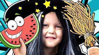 Download МАЛЕНЬКАЯ ВЕДЬМОЧКА скупила все игрушки в магазине Заколдовала арбуз в желейный Видео для детей Video