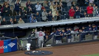 Download BOS@NYY: Yankees fans applaud Ortiz as he exits game Video