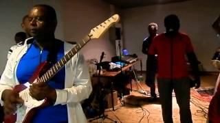 Download Roumbou Ya Madjini Flamants Roses Video