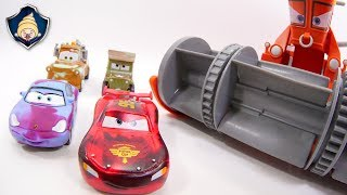 Download Disney Cars toys Lightning McQueen,Franck & Ramone Paint shop Color Changers Playset movie for Kids Video