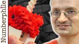 Download Three Gears are Possible - Numberphile Video