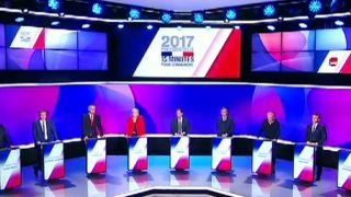 Download Polls show tight race in French presidential election Video