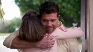 Download The Middle - Sean Donahue confesses his love to Sue-Sean confiesa su amor por Sue/Español/Inglès Video