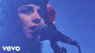 Download Mon Laferte - Tu Falta De Querer (En Vivo) Video