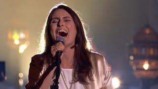 Download Sharon knalt met een loeiharde versie van 'Just What I Need Tonight' | Liefde Voor Muziek Video