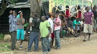 Download لاجئون أفارقة يصلون إلى كوستاريكا Video
