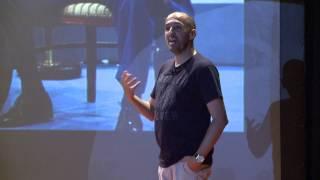 Download Não basta ser líder, é preciso parecer | Alexandre Monteiro | TEDxYouth@ColégioMilitarSchool Video