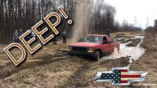 Download WRECKED HIS TRUCK MUDDING Video