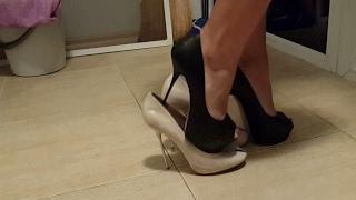 Download scene 059 high heels abused bend broken crush destruction Video