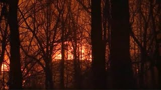 Download Strong storms take aim at large wildfires in South Video