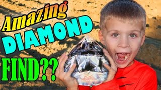 Download PANNING FOR DIAMONDS & GOLD IN REAL LIFE!! Video