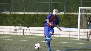 Download Can Messi score a penalty kick blindfolded? Video
