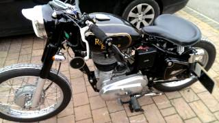 Download Royal Enfield Bobber. Video