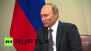 Download UN: ″Say hello to Comandante Fidel,″ Putin tells Raul Castro Video