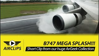 Download INCREDIBLE!! Boeing 747-400 MEGA SPLASH during thrust reverse - EVA Air Taipei Landing! [AirClips] Video