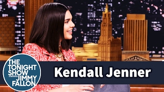 Download Kendall Jenner Blocks Out Her Family on the Runway Video