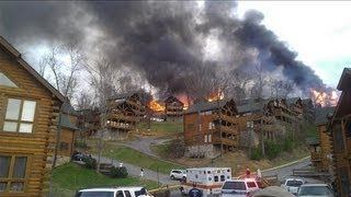 Download Wildfire Threatens Cabins in Pigeon Forge, Tennessee Video