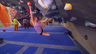 Download Norea Is Battling A V8 This Bouldering Session! Video