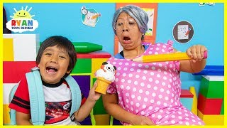 Download Ryan Back To School Pretend Play Toys Show and Tell!!! Video