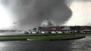 Download 4/27/11 - Tuscaloosa Tornado Video
