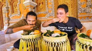 Download Royal Balinese Food - AMAZING INDONESIAN FOOD at The Palace in Bali, Indonesia! Video