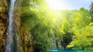 Download Metsa veerel väike maja Video