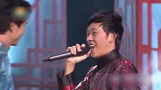 Download Cánh Thiệp Đầu Xuân - Hồ Quang 8 ft. Hoài Linh [Official MV] Video