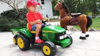 Download Roma Pretend Play with tractor and horse toy Video