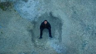 Download 小伙不知道自己有超能力,从9楼摔下去竟然毫发无伤,懵了! Video