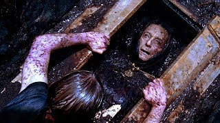 Download 10 Really Stupid Decisions in Horror Movie History Video
