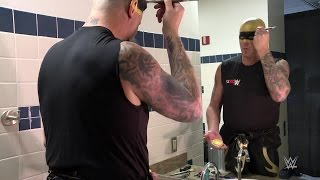 Download A time-lapse look at how Goldust applies his signature face paint Video