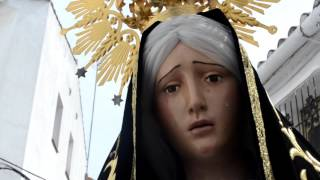 Download UNA VIRGEN QUE SE MUEVE Y BENDICE SALE EN PROCESIÓN EL VIERNES SANTO EN JUBRIQUE Video