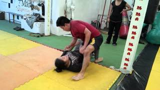 Download Girl beat a big man in jiu jitsu sparring(3) Video