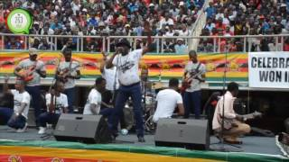 Download Alick Macheso Wows crowds @ 37th Zimbabwe Independence celebrations Video