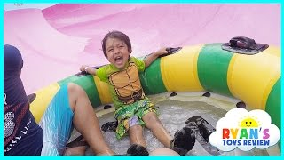 Download Ryan Rides the Water Slides During Family Vacation to Schlitterbahn Waterpark Resorts! Video
