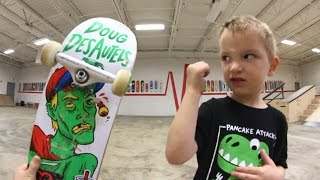 Download 4 Year Old VERSUS Ollie! Video