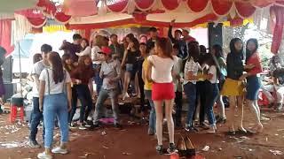 Download Nhay nhac san dam cuoi ( buon Dang ) Video