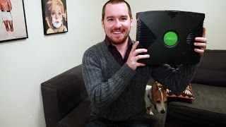 Download Guy is Tricked Into Thinking Original XBOX is an XBOX One Video