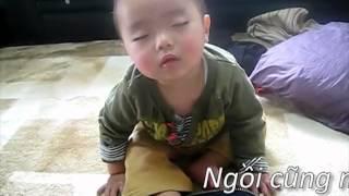 Download cười vỡ bụng với những kiểu ngủ của bé Video